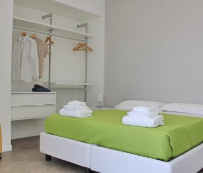 camera da letto trilocale con balcone