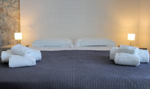 letto monolocale superior con balcone